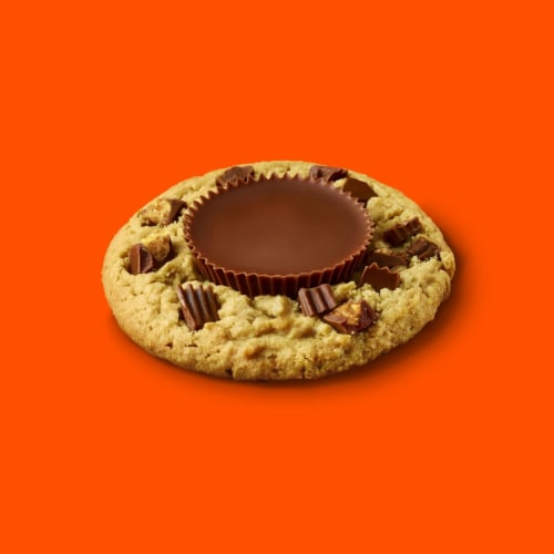 Reese's Milk Chocolate Peanut Butter Cups Snack Size Perspective: right