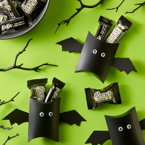 Hershey Halloween Candy Assortment with Glow in the Dark Wrappers Perspective: right
