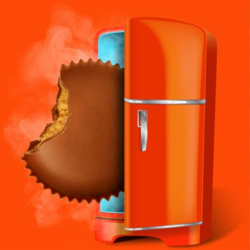 Reese's Full Size Peanut Butter Cups Candy Perspective: right