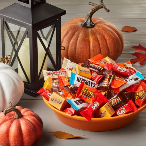 Hershey's Halloween Assortment Candy Perspective: right