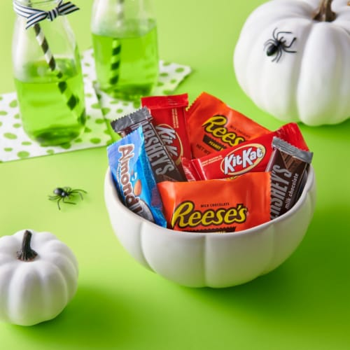 Hershey's All Time Greats Snack Size Candy Assortment Perspective: right