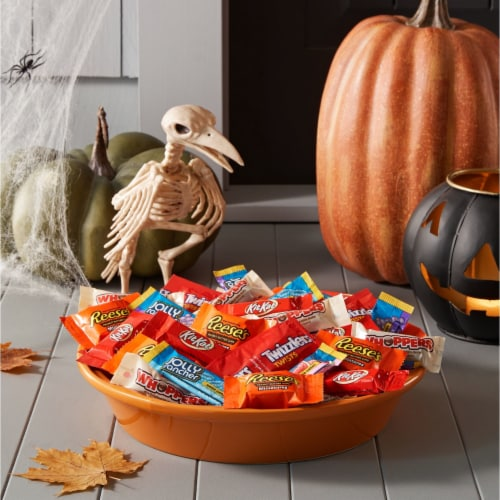 Hershey Halloween Candy Assortment Perspective: right