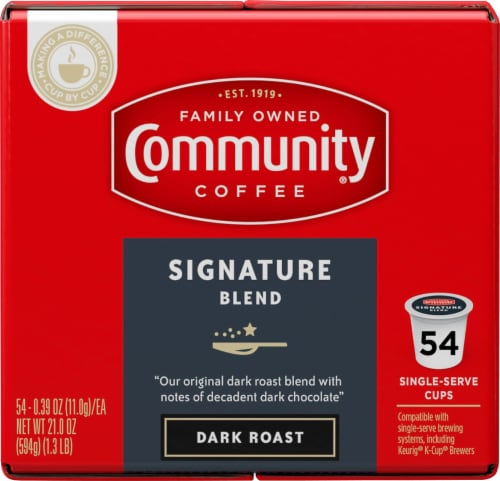 Community Coffee Signature Blend Dark Roast Coffee Single-Serve Cups Perspective: right