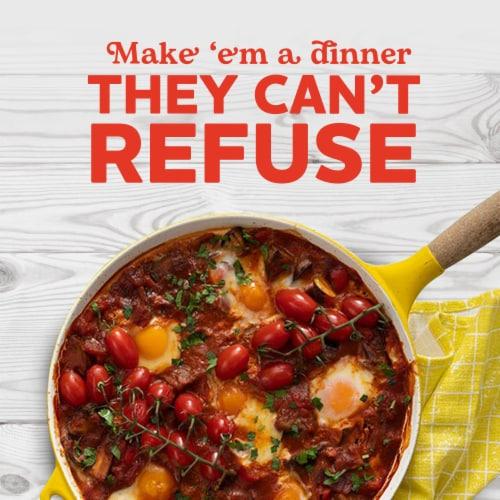 Ragu Chunky Roasted Garlic Sauce Perspective: right