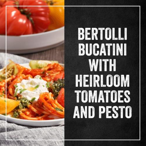 Bertolli Organic Tomato & Basil Sauce Perspective: right