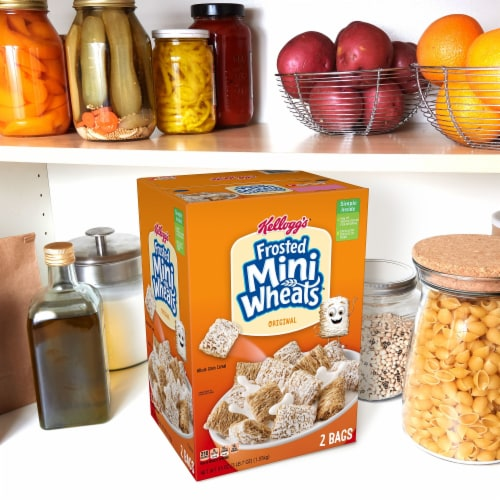 Frosted Mini-Wheats Original Whole Grain Cereal Perspective: right