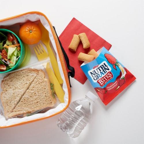 Nutri-Grain Kids Strawberry Blast Soft Baked Mini Breakfast Bars Perspective: right