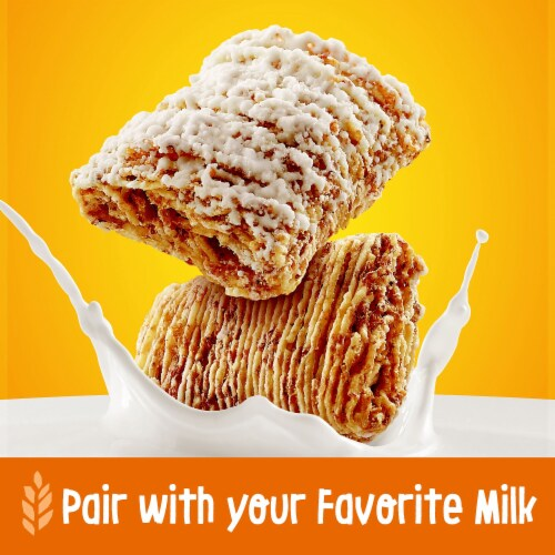 Kellogg's Frosted Mini-Wheats Breakfast Cereal Original Family Size Perspective: right
