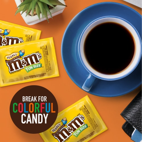 M&M's® Fun Size Peanut Chocolate Candy Bag Perspective: right