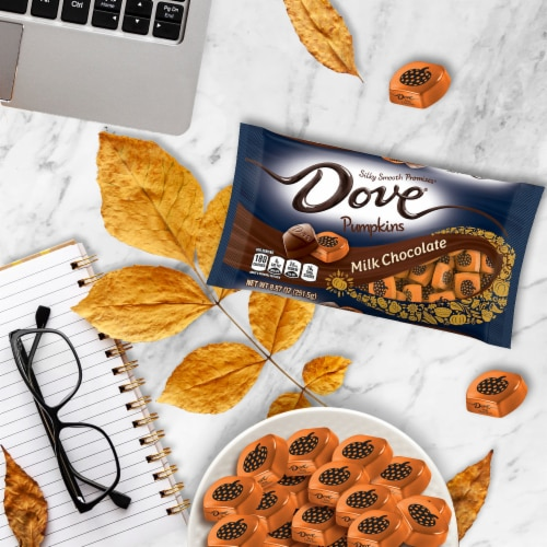 Dove® Milk Chocolate Pumpkins Halloween Candy Perspective: right