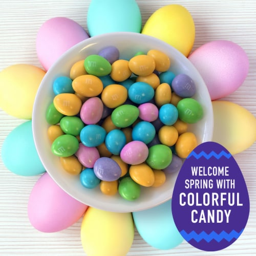 M&M'S Almond Chocolate Egg Shaped Easter Candy Bag Perspective: right