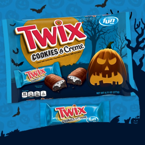 Twix® Cookies & Creme Fun Size Chocolate Halloween Candy Bars Perspective: right