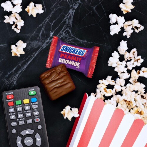 Snickers® Peanut Brownie Squares Fun Size Halloween Candy Perspective: right