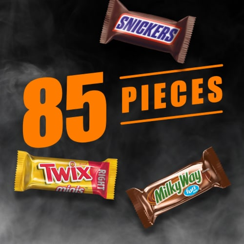 Mars Assorted Fun Sized & Mini Sized Chocolate Halloween Candy Variety Bag Perspective: right