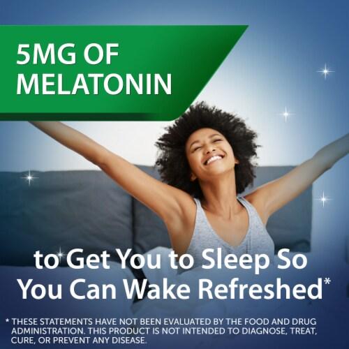 Unisom® Midnight Raspberry Simple Slumbers™ Gummies Perspective: right