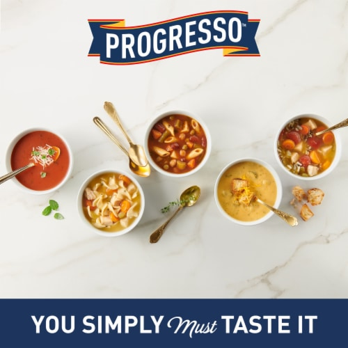 Progresso Traditional Split Pea with Ham Soup Perspective: right
