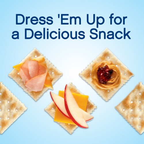 Premium Original Fresh Stacks Saltine Crackers Perspective: right