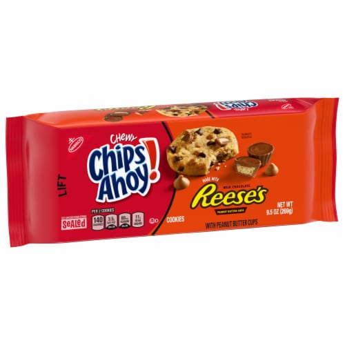 Chips Ahoy! Chewy Reese's Peanut Butter Cup Cookies Perspective: right