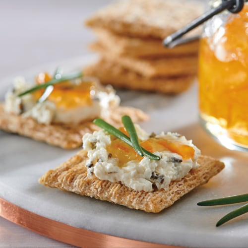 Triscuit Four Cheese & Herb Crackers Perspective: right