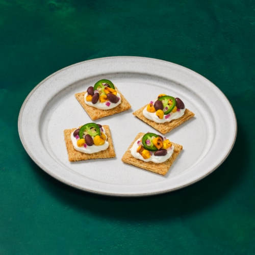 Triscuit Avocado Cilantro & Lime Crackers Perspective: right