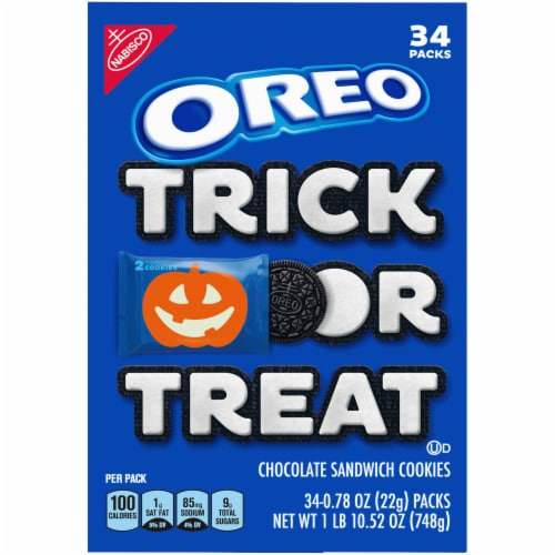 Oreo Boo! Chocolate Sandwich Cookies Perspective: right