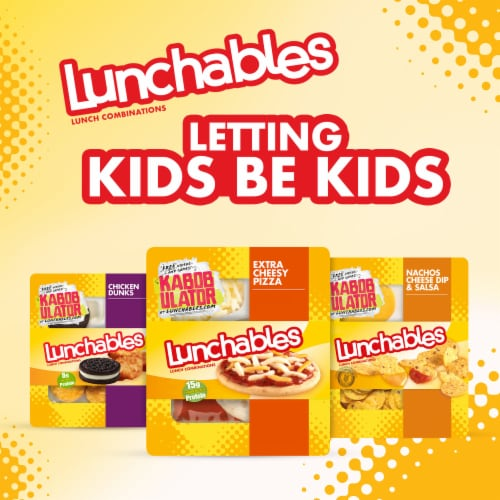 Lunchables Extra Cheesy Pizza Perspective: right