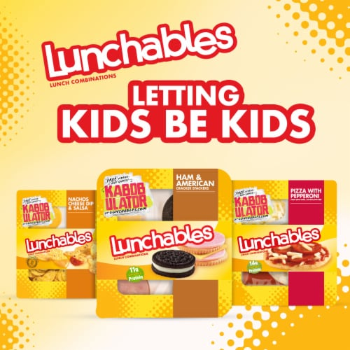 Lunchables Ham & American Cheese Cracker Stackers Snack Kit with Chocolate Sandwich Cookies Perspective: right