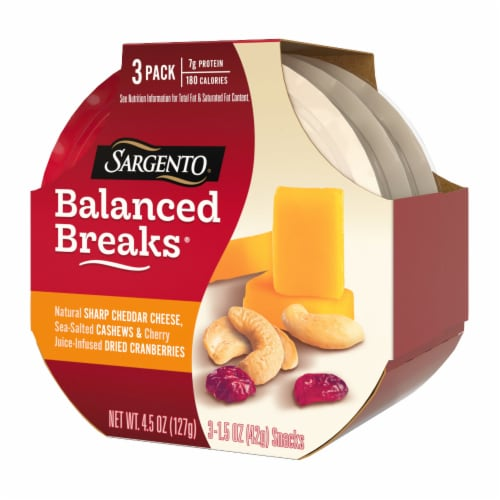 Sargento® Balanced Breaks® Sharp Cheddar Cheese Cashews & Dried Cranberries Perspective: right