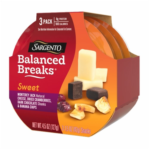 Sargento Balanced Breaks Monterey Jack Cranberries Dark Chocolate & Banana Chips Snack Pack Perspective: right