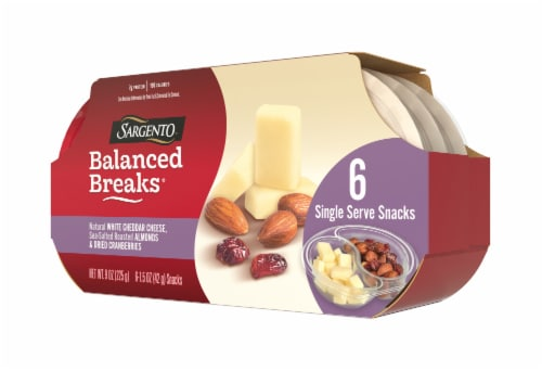 Sargento Balanced Breaks Natural White Cheddar Cheese with Almonds & Dried Cranberries Snack Packs Perspective: right
