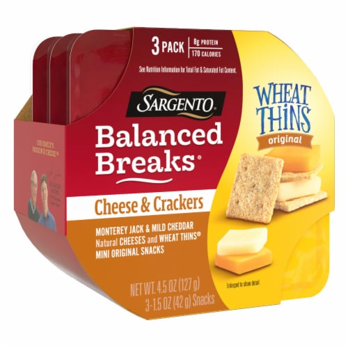Sargento Balanced Breaks Monterey Jack and Mild Cheddar Cheese with Mini Wheat Thins Snack Packs Perspective: right