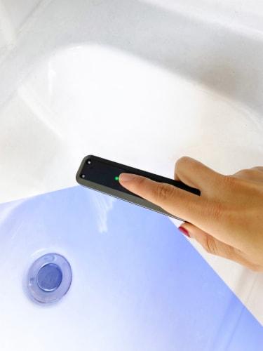 iLive Portable UV LED Sanitizer Wand - Black Perspective: right