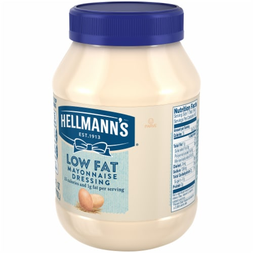 Hellmann's Low Fat Mayonnaise Dressing Perspective: right