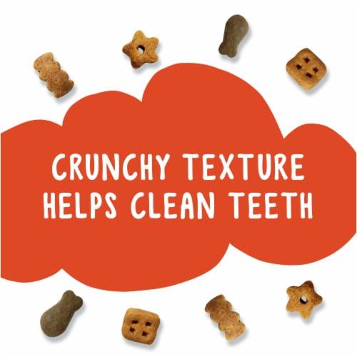 Friskies Party Mix Original Crunch Cat Treats Perspective: right