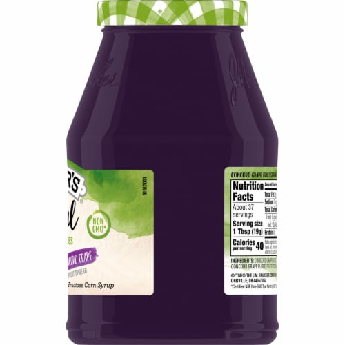 Smucker's Natural Concord Grape Fruit Spread Perspective: right