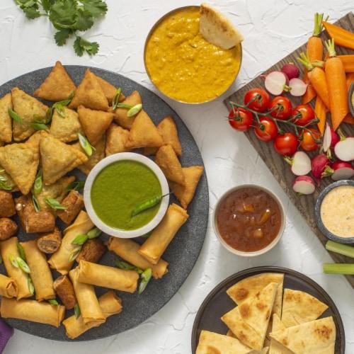 Patak's Hot Mango Chutney Perspective: right