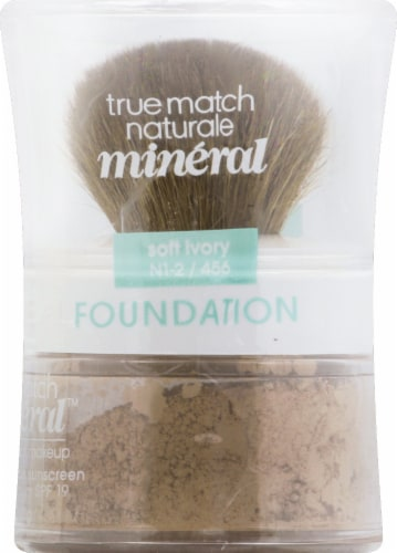 L'Oreal Paris True Match Soft Ivory Gentle Mineral Makeup Perspective: right