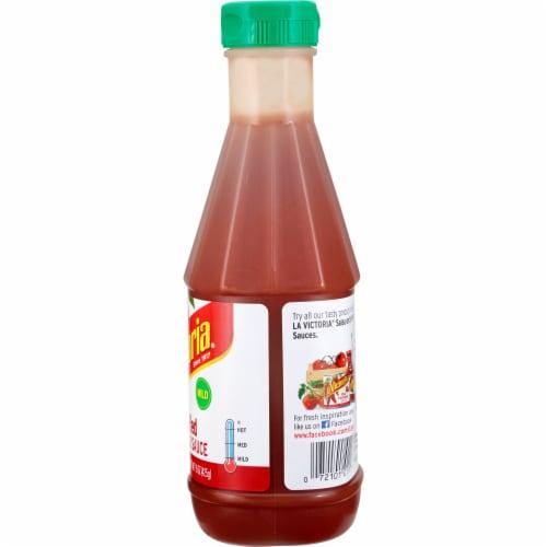 La Victoria Mild Red Taco Sauce Perspective: right