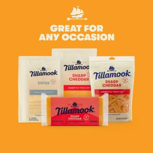 Tillamook Sharp Yellow Cheddar Cheese Perspective: right
