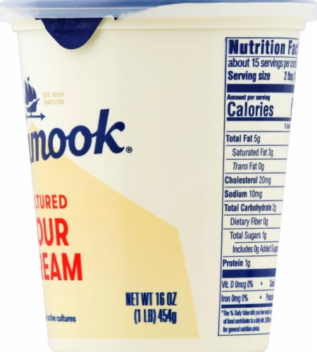 Tillamook Cultured Sour Cream Perspective: right