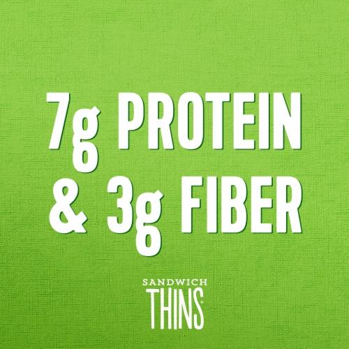 Arnold® Sandwich Thins Veggie Herb Rolls Perspective: right