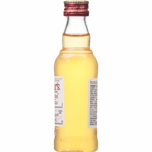Dewar's® White Label Blended Scotch Whisky Perspective: right