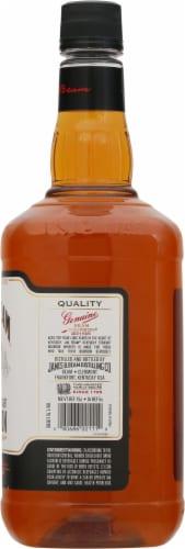 Jim Beam® Kentucky Straight Bourbon Whiskey Perspective: right