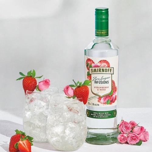 Smirnoff Zero Sugar Infusions Strawberry & Rose Vodka Perspective: right