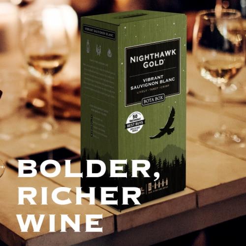 Bota Box Nighthawk Gold Vibrant Sauvignon Blanc White Wine Perspective: right