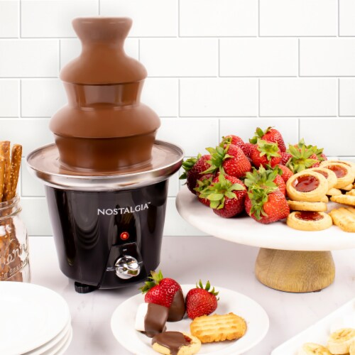 Nostalgia 3-Tier Chocolate Fondue Fountain Perspective: right