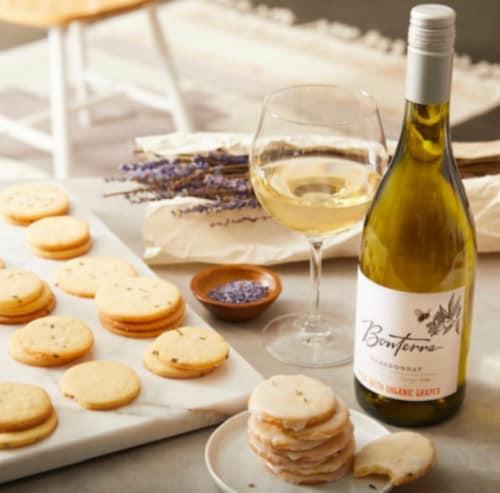 Bonterra Chardonnay Perspective: right
