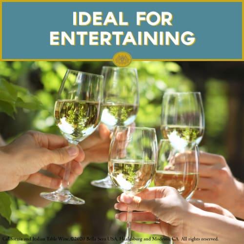 Bella Sera Pinot Grigio White Wine 1.5L Perspective: right