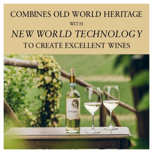 Da Vinci Pinot Grigio Italian White Wine Perspective: right