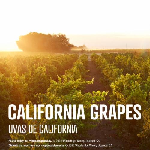 Woodbridge By Robert Mondavi Chardonnay White Wine Box Perspective: right